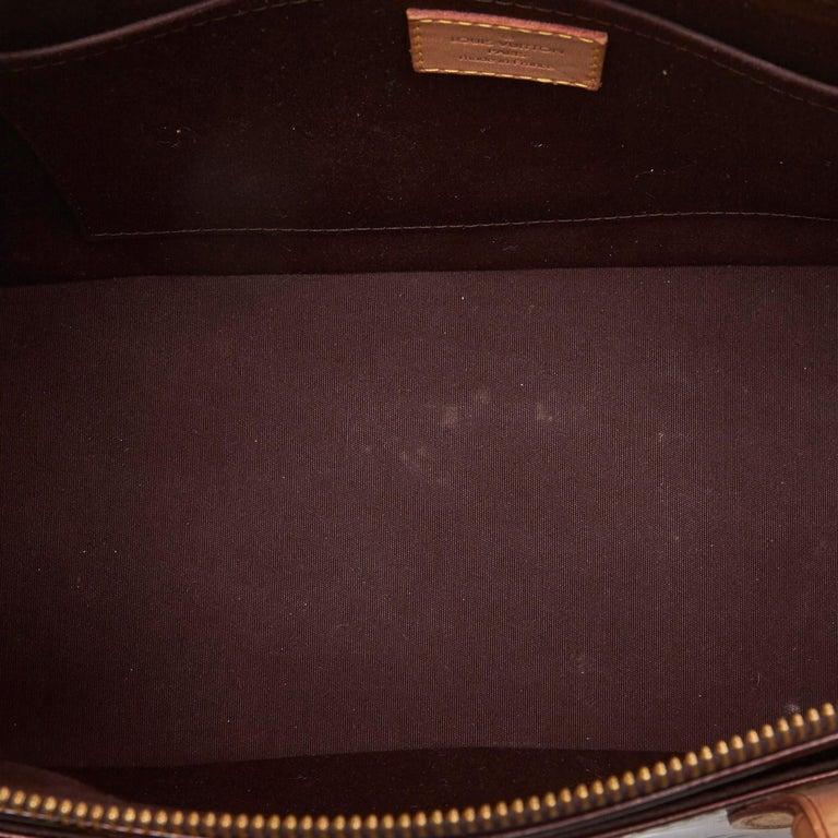Women's Vintage Authentic Louis Vuitton Purple Vernis Leather Rosewood France MEDIUM  For Sale