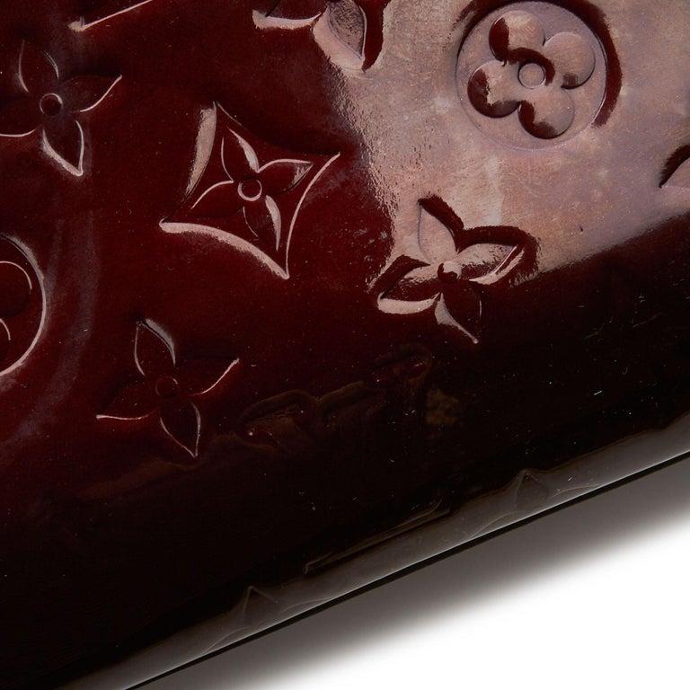 Vintage Authentic Louis Vuitton Purple Vernis Leather Rosewood France MEDIUM  For Sale 4