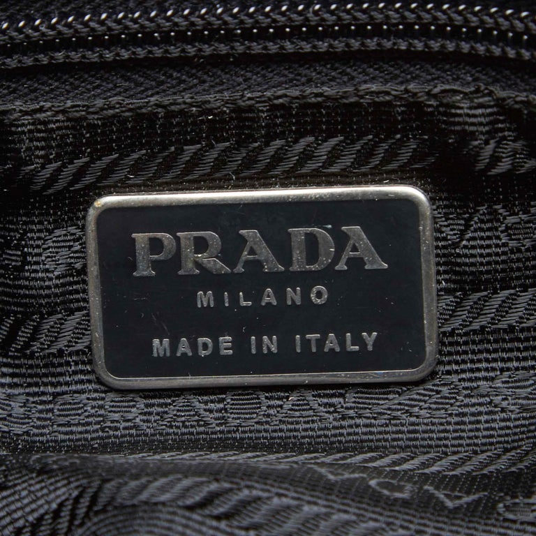 Vintage Authentic Prada Black Nylon Fabric Drawstring Backpack Italy LARGE  For Sale 2