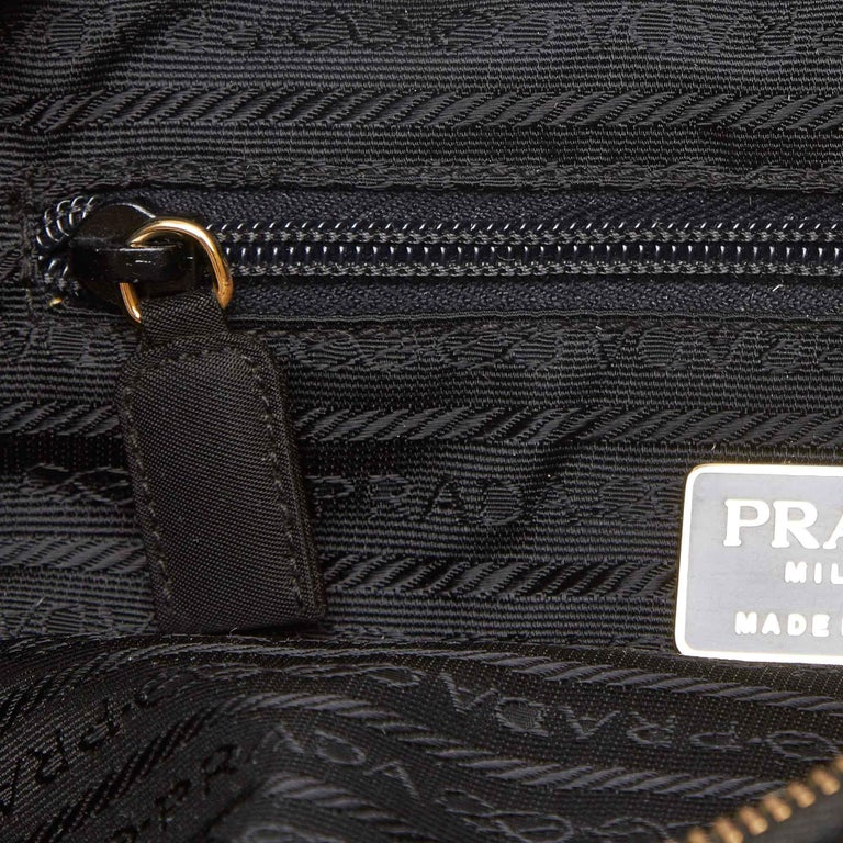 Vintage Authentic Prada Black Nylon Fabric Quilted Chain Tote Bag Italy LARGE  For Sale 3