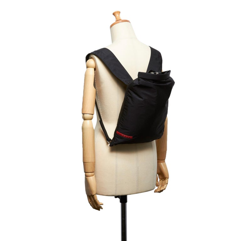 Vintage Authentic Prada Black Nylon Fabric Sports Backpack ITALY LARGE  For Sale 3