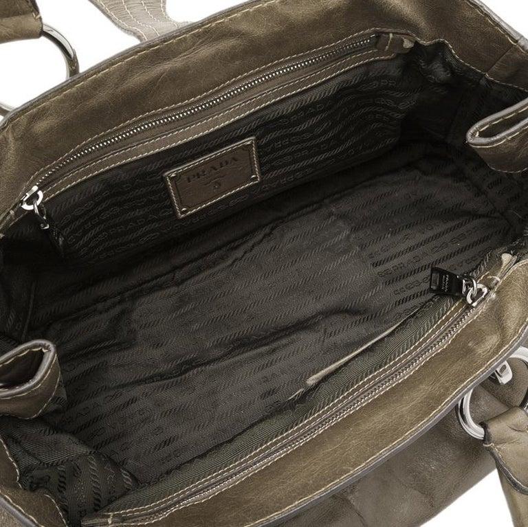 Vintage Authentic Prada Brown Calf Leather Vitello Shine Handbag Italy LARGE  For Sale 1