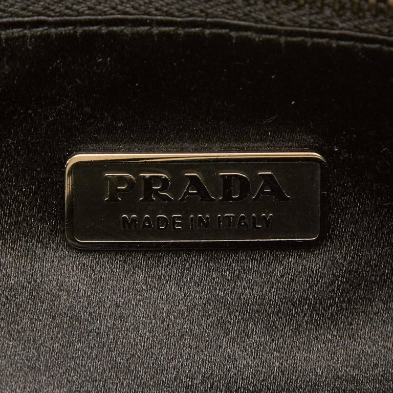 Vintage Authentic Prada Brown Calf Leather Vitello Shine Handbag Italy LARGE  For Sale 2