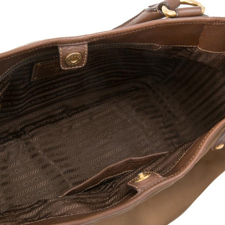 Vintage Authentic Prada Brown Nylon Fabric Shoulder Bag Italy MEDIUM  For Sale 1