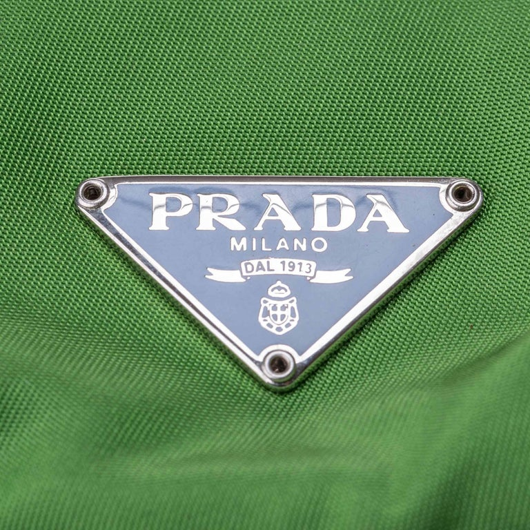 Vintage Authentic Prada Green with Blue Nylon Fabric Shoulder Bag Italy MEDIUM  For Sale 9