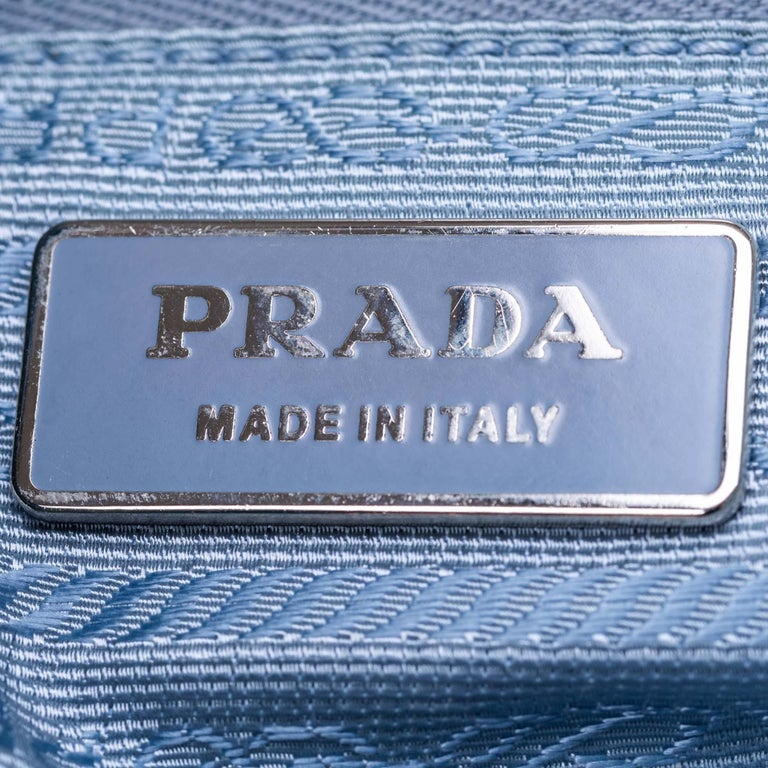 Vintage Authentic Prada Green with Blue Nylon Fabric Shoulder Bag Italy MEDIUM  For Sale 1