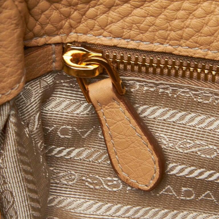 Vintage Authentic Prada Leather Vitello Daino Baguette w Dust Bag Key SMALL  For Sale 2