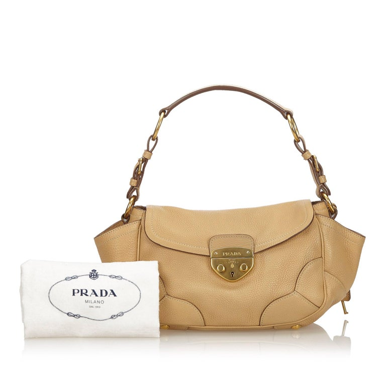 Vintage Authentic Prada Leather Vitello Daino Baguette w Dust Bag Key SMALL  For Sale 4