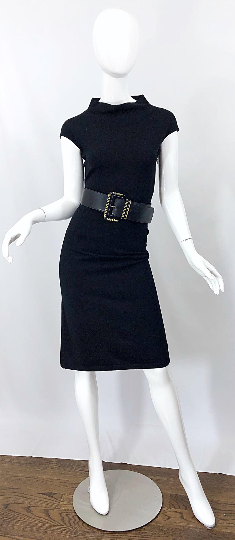 Vintage Azzedine Alaia 1980s Black Lightweight Wool Cap Sleeve Bodycon 80s Dress For Sale 9