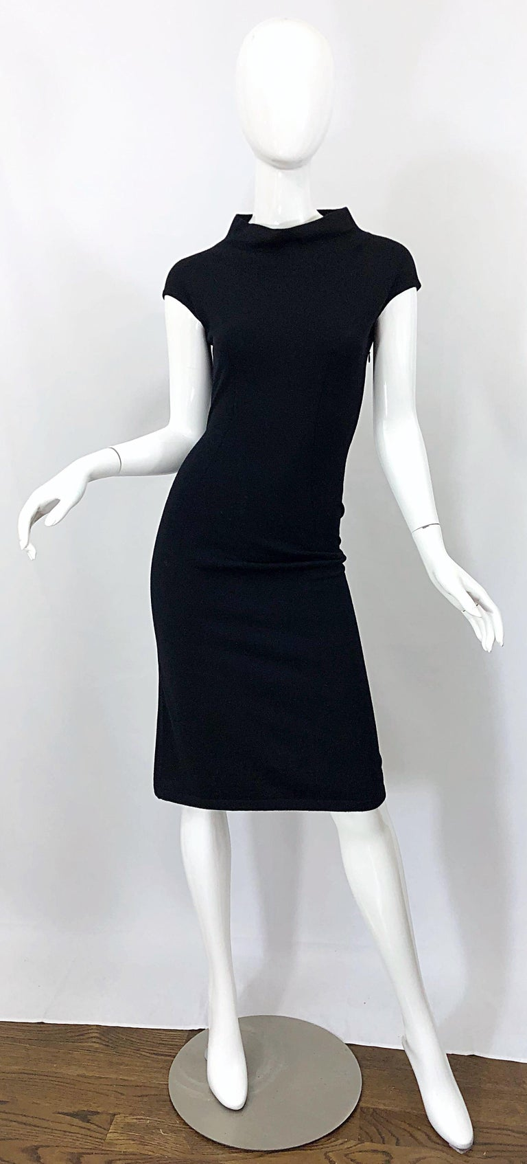 Vintage Azzedine Alaia 1980s Black Lightweight Wool Cap Sleeve Bodycon 80s Dress In Excellent Condition For Sale In Chicago, IL