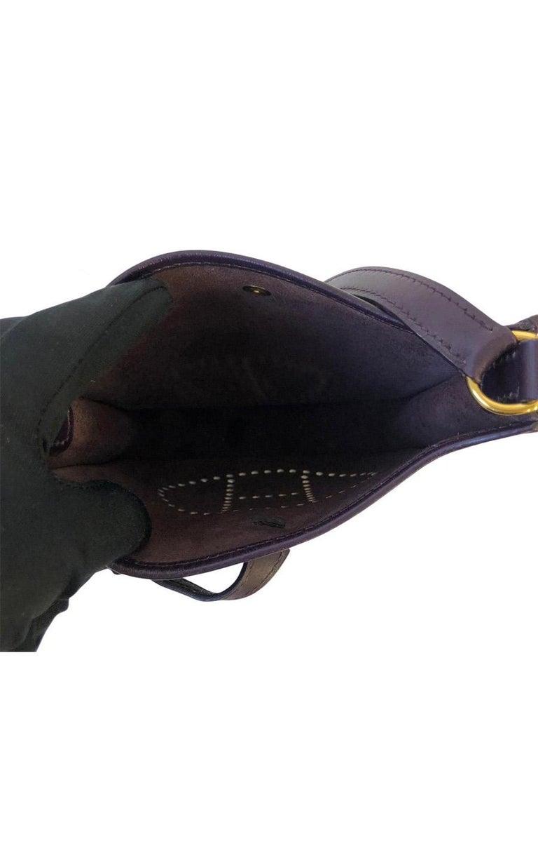 Vintage Bag  Hermès Evelyne TPM in Amarante colored leather For Sale 3
