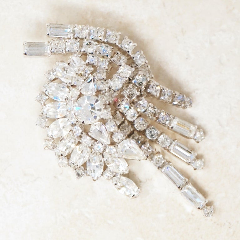 Vintage Baguette Crystal & Rhinestone Dangle Statement Brooch by Kramer, 1950S In Excellent Condition In Los Angeles, CA