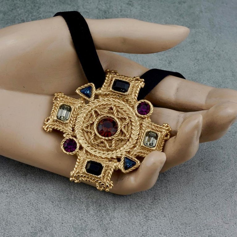 Vintage BALENCIAGA Byzantine Jewelled Cross Pendant Brooch For Sale 3