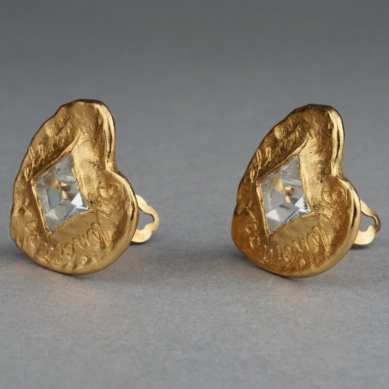 Vintage BALENCIAGA Textured Logo Heart Stone Earrings In Excellent Condition For Sale In Kingersheim, Alsace