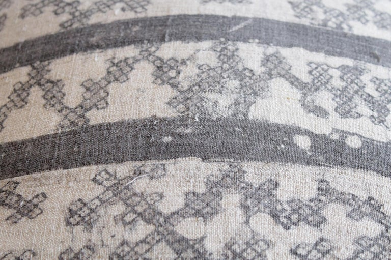 Vintage Batik Accent Pillow Charcoal and Natural Linen In Good Condition For Sale In Brea, CA