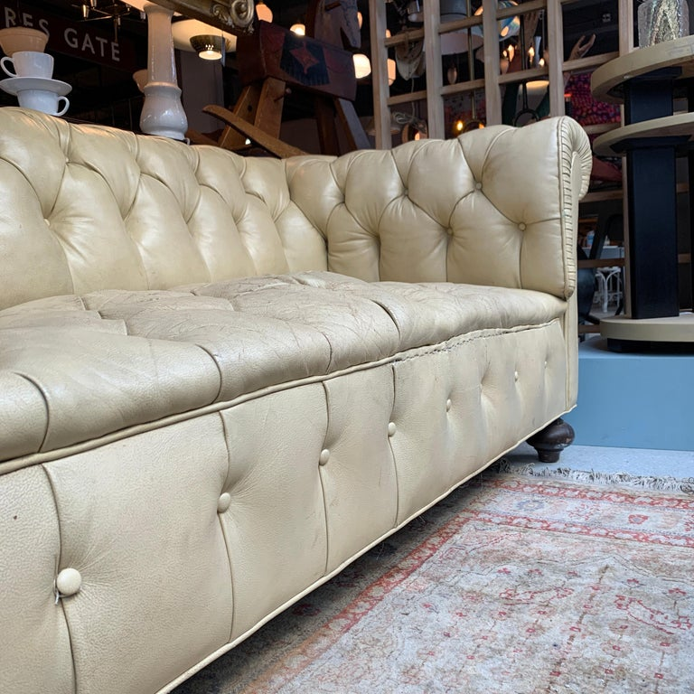 Vintage Beige Leather Chesterfield Sofa For Sale 5