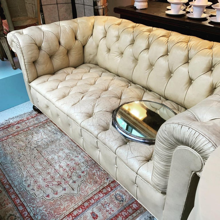 Vintage Beige Leather Chesterfield Sofa For Sale 1
