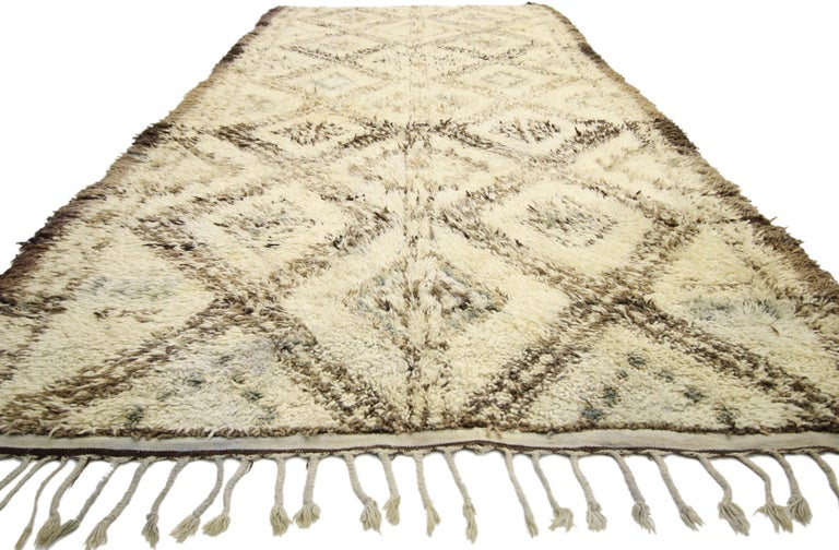 Tribal Vintage Beni M'Guild Moroccan Rug with Cozy Hygge Style, Berber Moroccan Rug For Sale