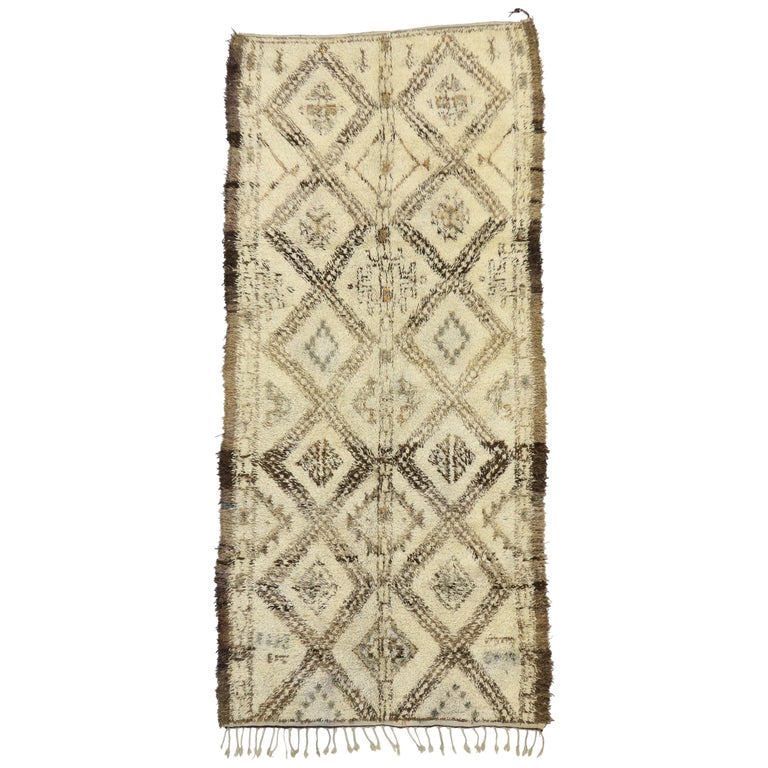 Vintage Beni M'Guild Moroccan Rug with Cozy Hygge Style, Berber Moroccan Rug For Sale