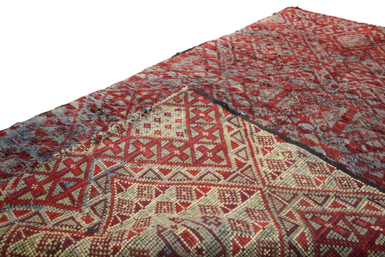 20th Century Vintage Beni M'Guild Rug, Berber Moroccan Rug with Tribal Style For Sale