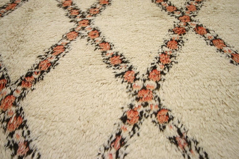 Mid-Century Modern Vintage Beni Ourain Moroccan Rug with Modern Bauhaus Style and Hygge Vibes For Sale