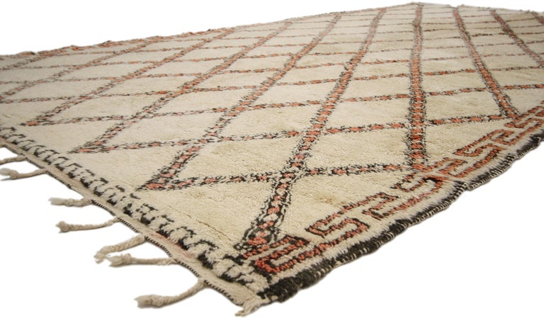 Vintage Beni Ourain Moroccan Rug with Modern Bauhaus Style and Hygge Vibes In Good Condition For Sale In Dallas, TX
