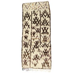 Vintage Berber Moroccan Azilal Rug with Modern Nomadic Boho Chic Style