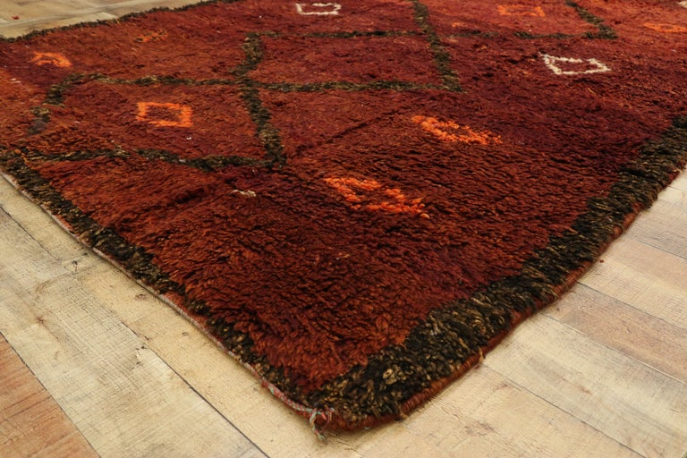 20th Century Vintage Berber Moroccan Beni M'Rirt Rug with a Warm Mid-Century Modern Style For Sale