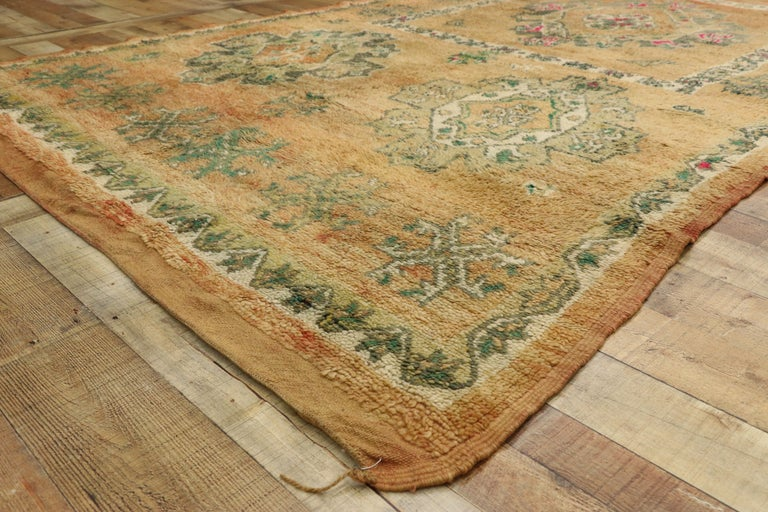 20th Century Vintage Berber Moroccan Boujad Rug with Biophilic Design Nature Inspired Style For Sale