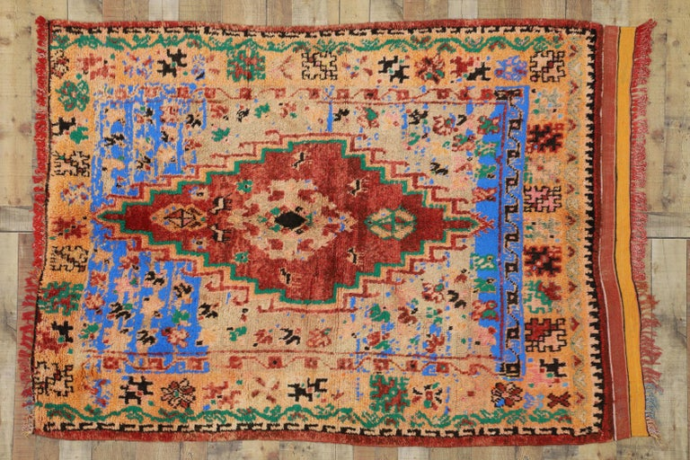 Vintage Berber Moroccan Boujad Rug with Contemporary Abstract Tribal Style For Sale 3