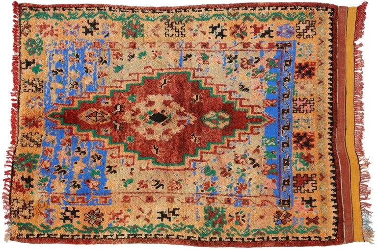Vintage Berber Moroccan Boujad Rug with Contemporary Abstract Tribal Style For Sale 4