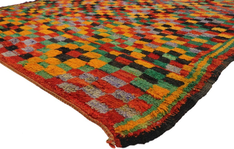 20889, vintage Berber Moroccan Boujad rug. With its Expressionist Cubism style and postmodern vibes, this hand knotted wool vintage Berber Moroccan Boujad rug draws inspiration from Paul Klee and Douglas Coupland. The vintage Moroccan rug features