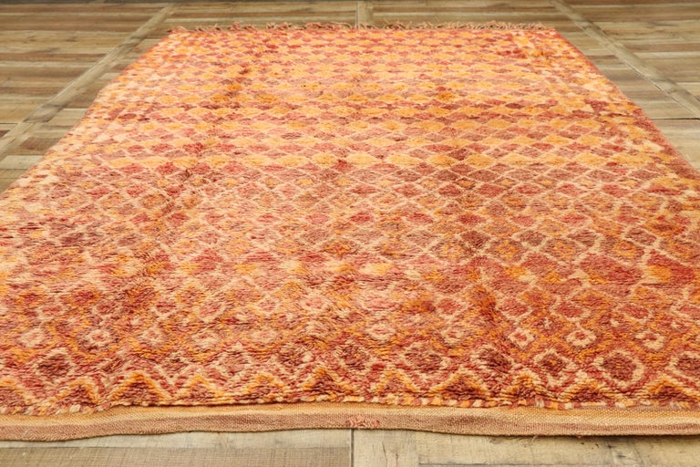 Wool Vintage Berber Moroccan Boujad Rug with Diamond Pattern and Modern Style For Sale