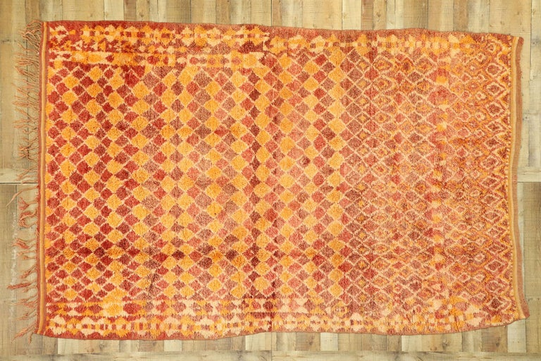 Vintage Berber Moroccan Boujad Rug with Diamond Pattern and Modern Style For Sale 1