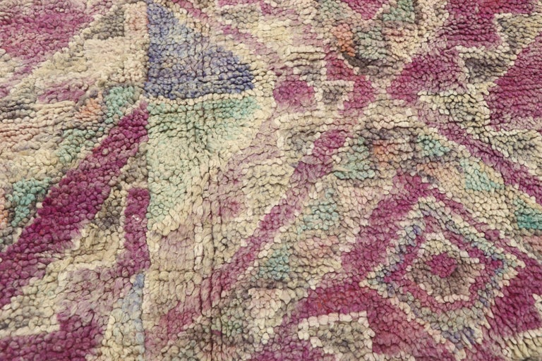 Vintage Berber Moroccan Boujad Rug with Hygge Bohemian Style In Good Condition For Sale In Dallas, TX
