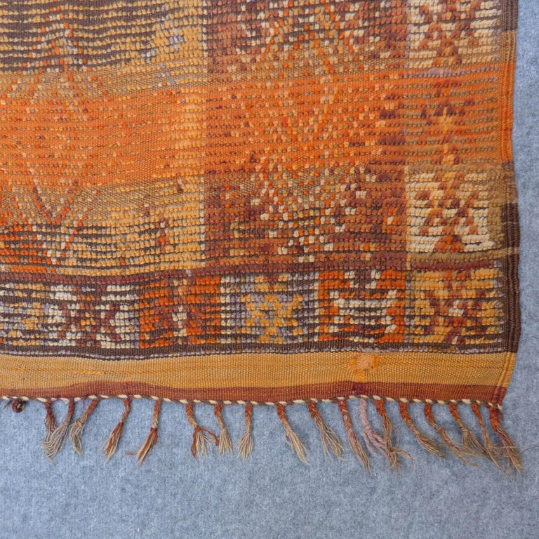 Vintage Berber Moroccan Rug In Good Condition For Sale In Amsterdam, NL