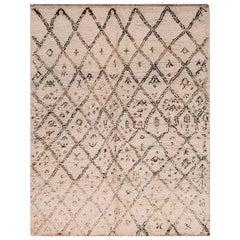 Vintage Berber Moroccan Rug. Size: 6 ft. x 7 ft. 6 in