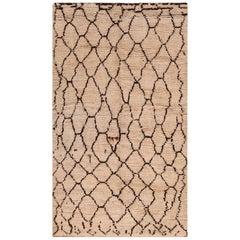 Vintage Berber Moroccan Rug. Size: 5 ft. 1 in x 8 ft. 7 in
