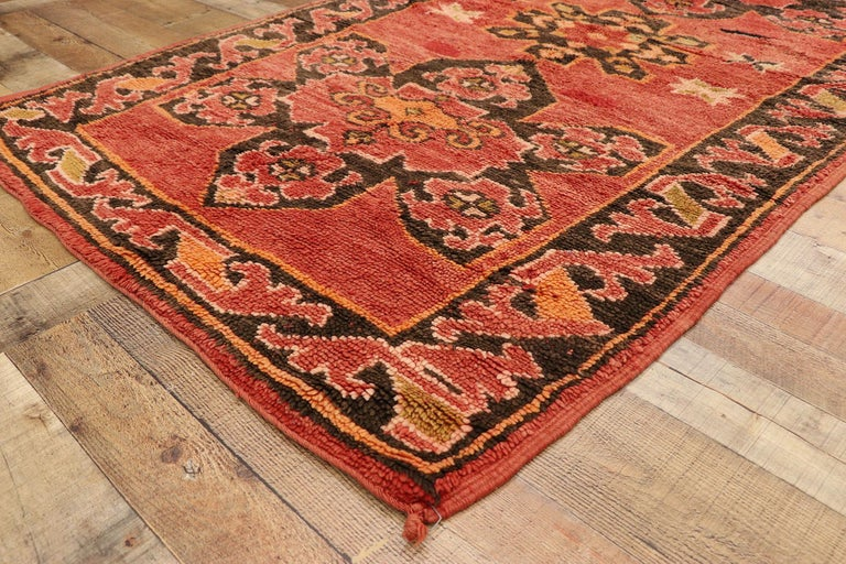 Vintage Berber Moroccan Rug with Mid-Century Modern Style For Sale 1