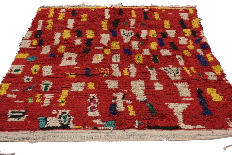 20185, vintage Berber Moroccan rug with tribal style. This hand-knotted wool vintage Berber Moroccan rug features a modern tribal style composed of asymmetrical rectangles, squares and irregular cubes forming a cohesive composition. Bold and