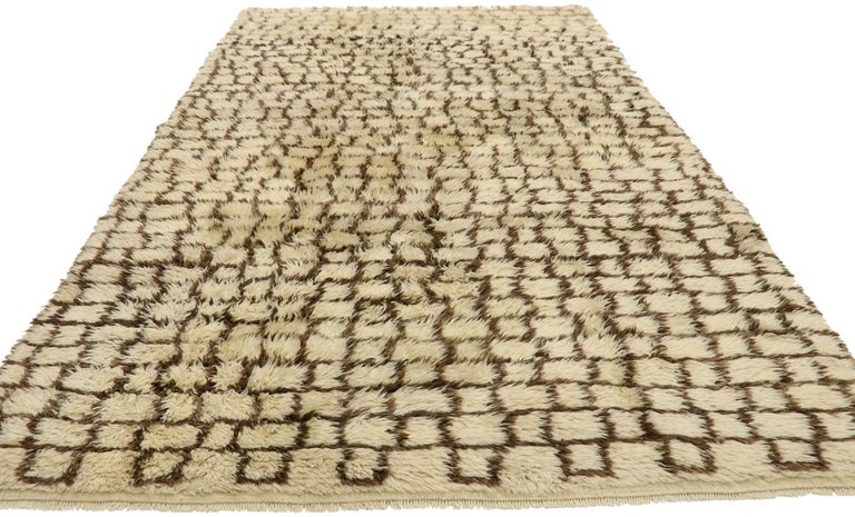 Mid-Century Modern Vintage Berber Moroccan Rug with Modernist Bauhaus Style and Cubism Design For Sale