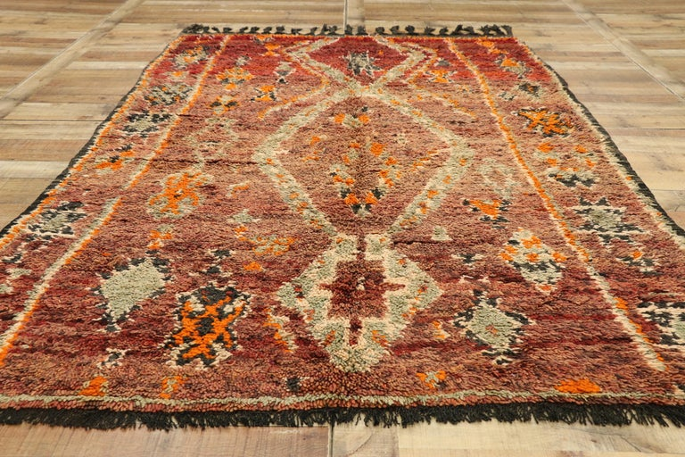 Wool Vintage Berber Moroccan Zayane Rug with Mid-Century Modern Style For Sale