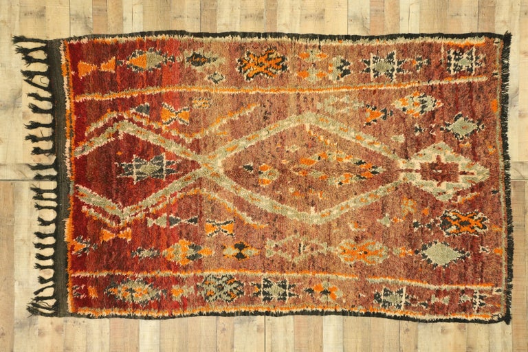 Vintage Berber Moroccan Zayane Rug with Mid-Century Modern Style For Sale 1