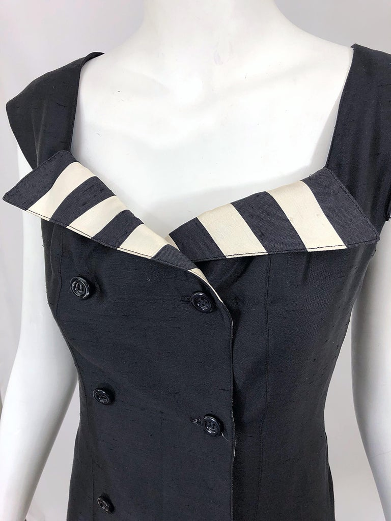 Vintage Bernard Perris Size 12 Black and White Striped 1990s Silk Dress For Sale 2