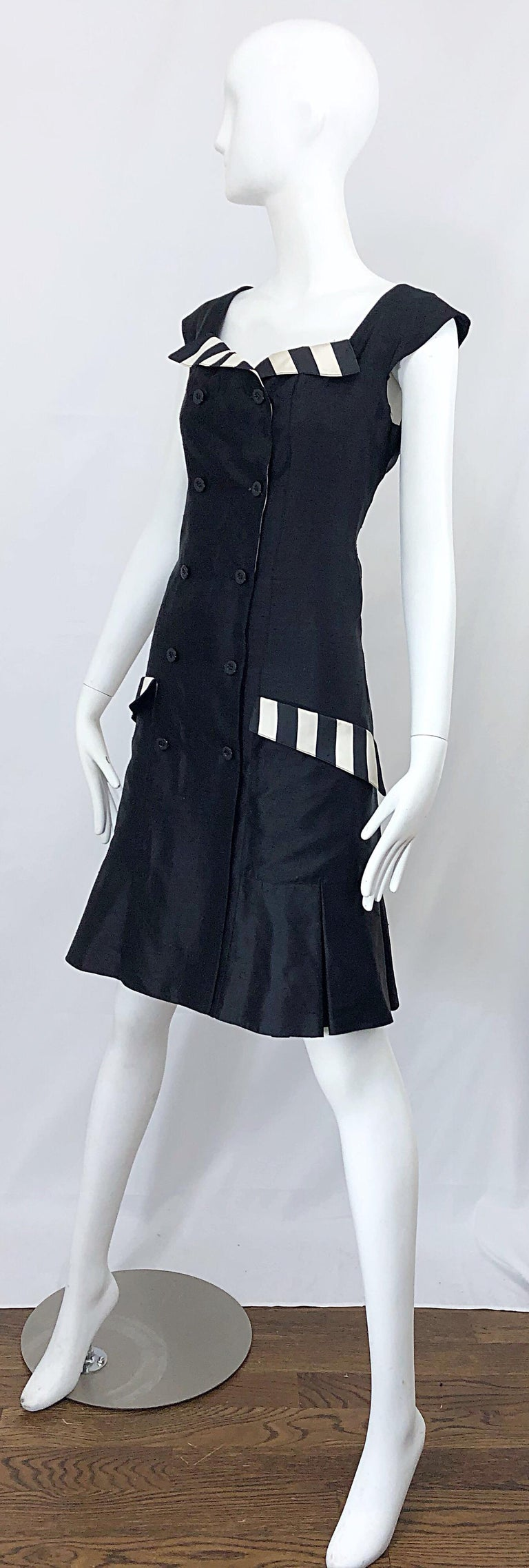 Vintage Bernard Perris Size 12 Black and White Striped 1990s Silk Dress For Sale 4