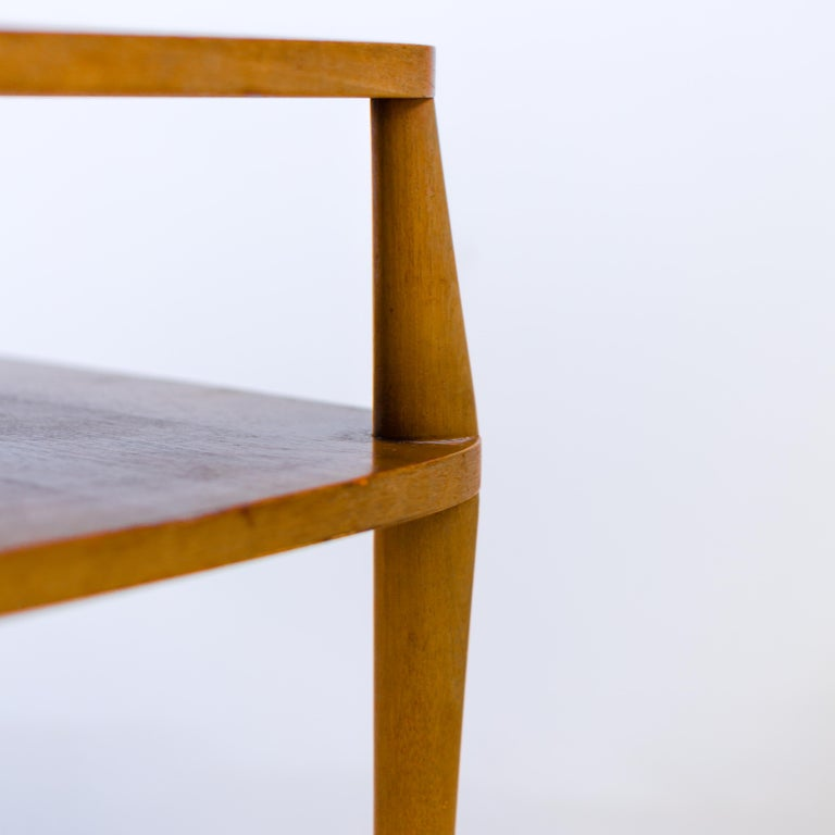Vintage Bertha Schaefer Walnut Side Table for Singer & Sons, 20th Century, USA In Good Condition For Sale In New York, NY
