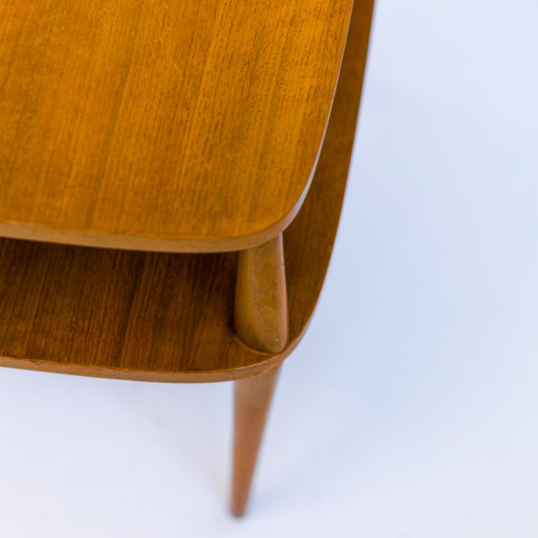 Mid-20th Century Vintage Bertha Schaefer Walnut Side Table for Singer & Sons, 20th Century, USA For Sale