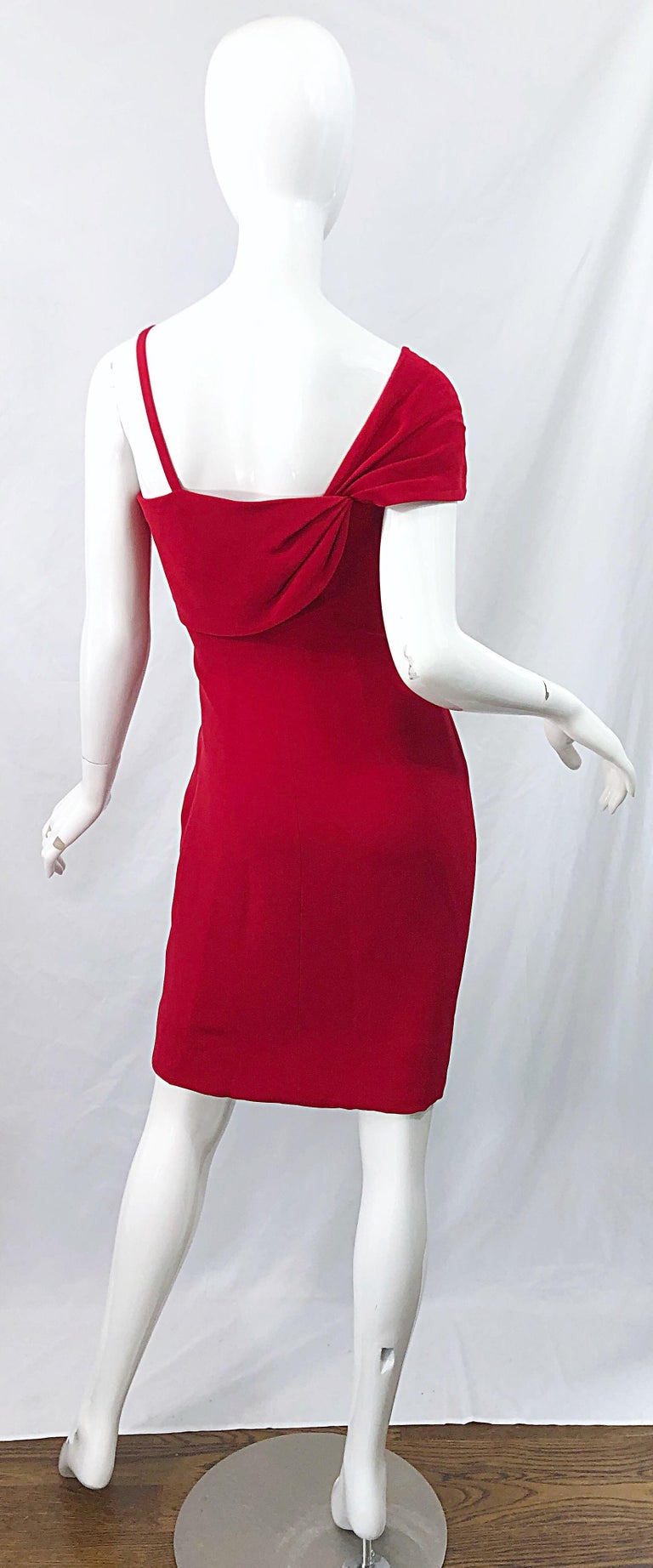 Vintage Bill Blass 1990s Size 6 Lipstick Red One Shoulder 90s Silk Dress In Excellent Condition For Sale In Chicago, IL