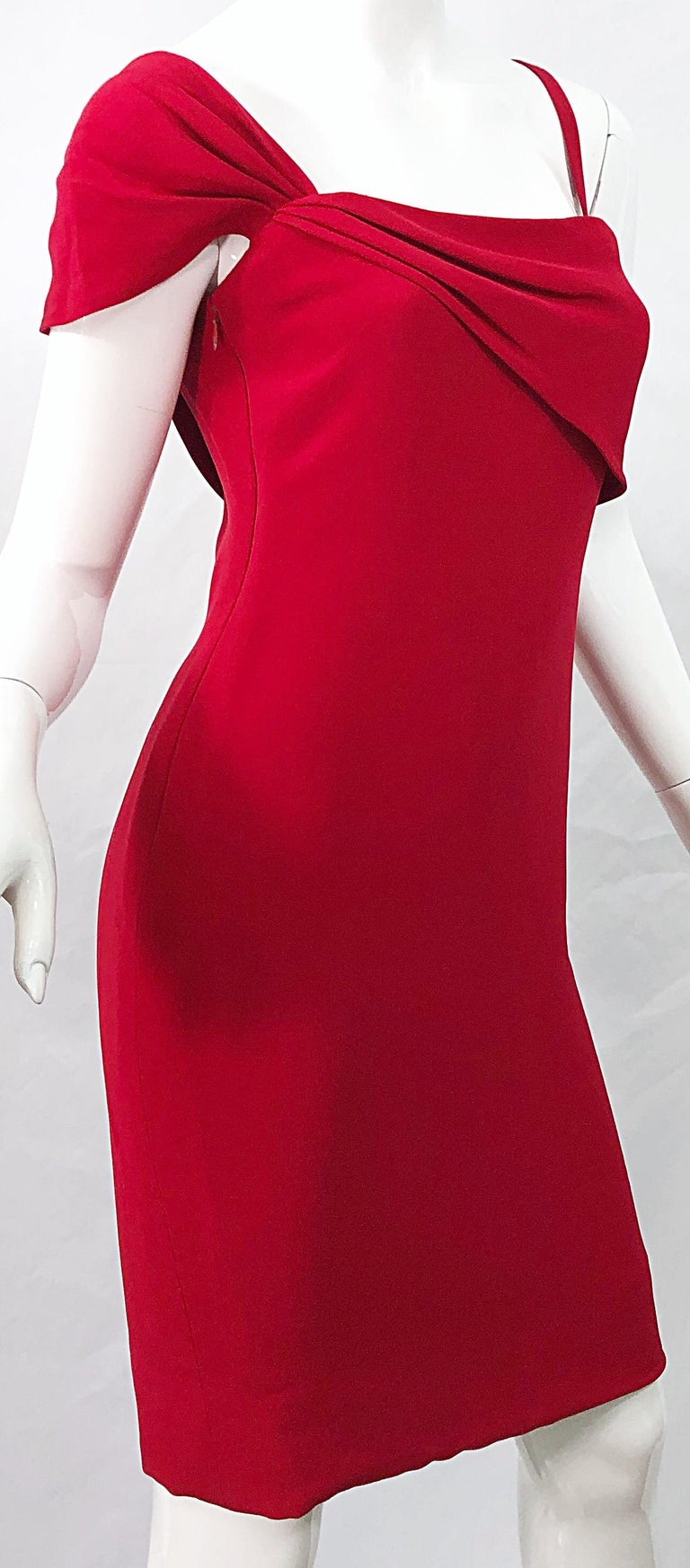 Vintage Bill Blass 1990s Size 6 Lipstick Red One Shoulder 90s Silk Dress For Sale 2