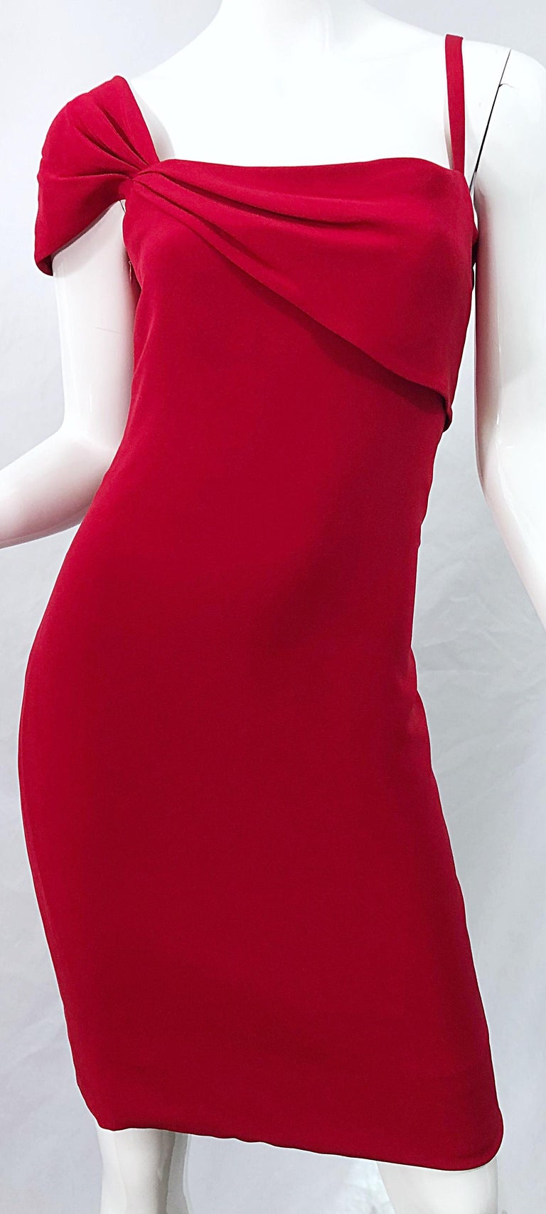 Vintage Bill Blass 1990s Size 6 Lipstick Red One Shoulder 90s Silk Dress For Sale 3